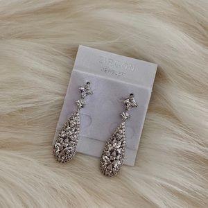 ✨NEW ADD✨SIX NWOT Teardrop Dangle Earrings FOR$50!